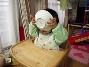 1歳8ヶ月 ゴクゴク豪快に飲む